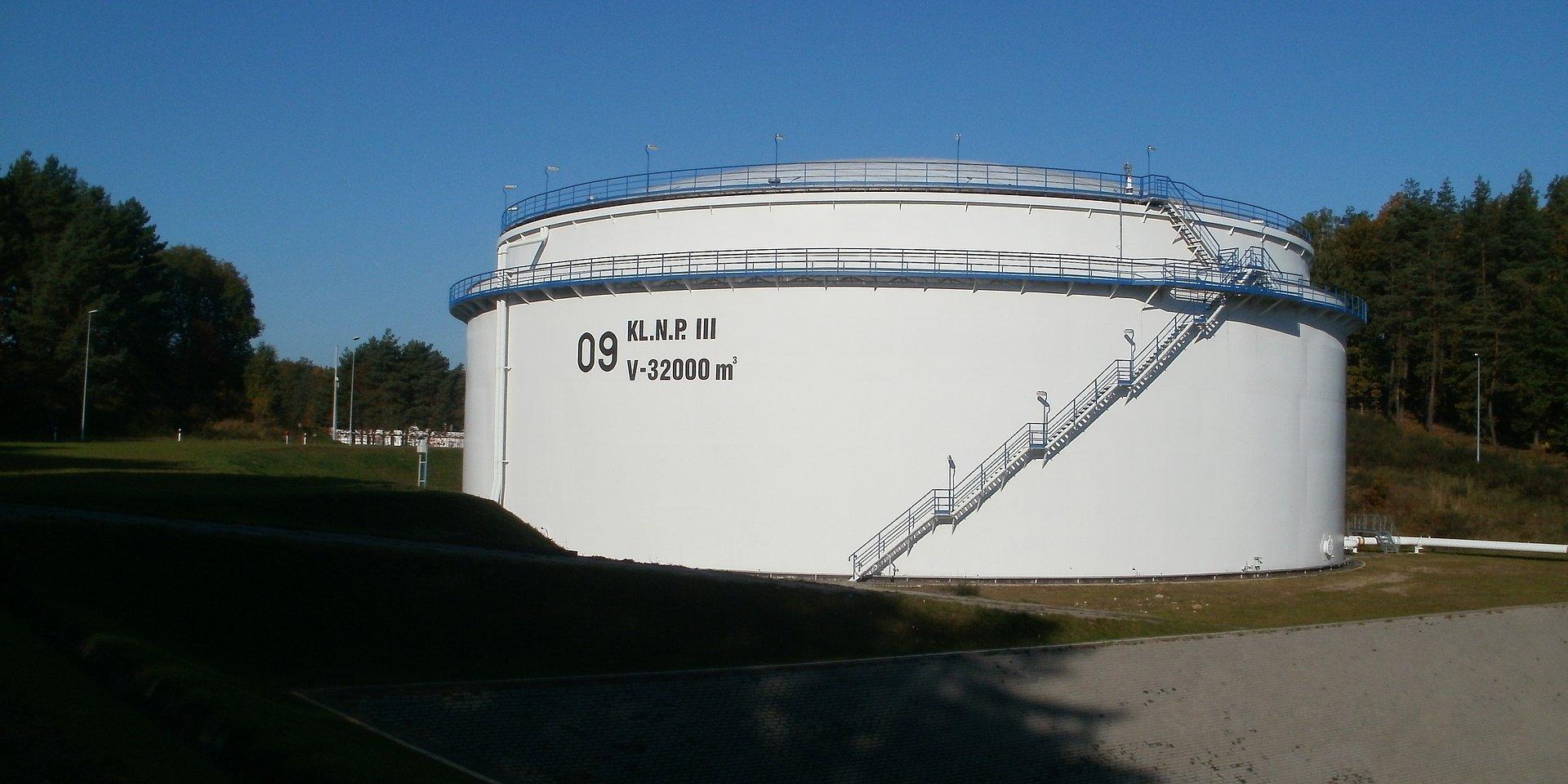 PERN szuka projektanta kolejnych zbiorników paliw