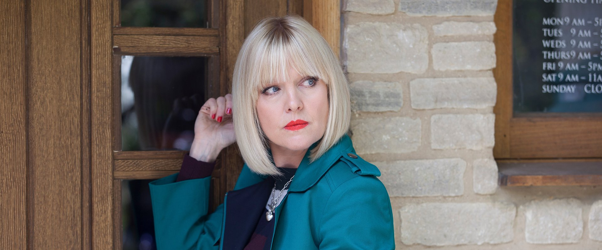 'AGATHA RAISIN' É A NOVA DETETIVE CURIOSA E PERSPICAZ DO FOX CRIME