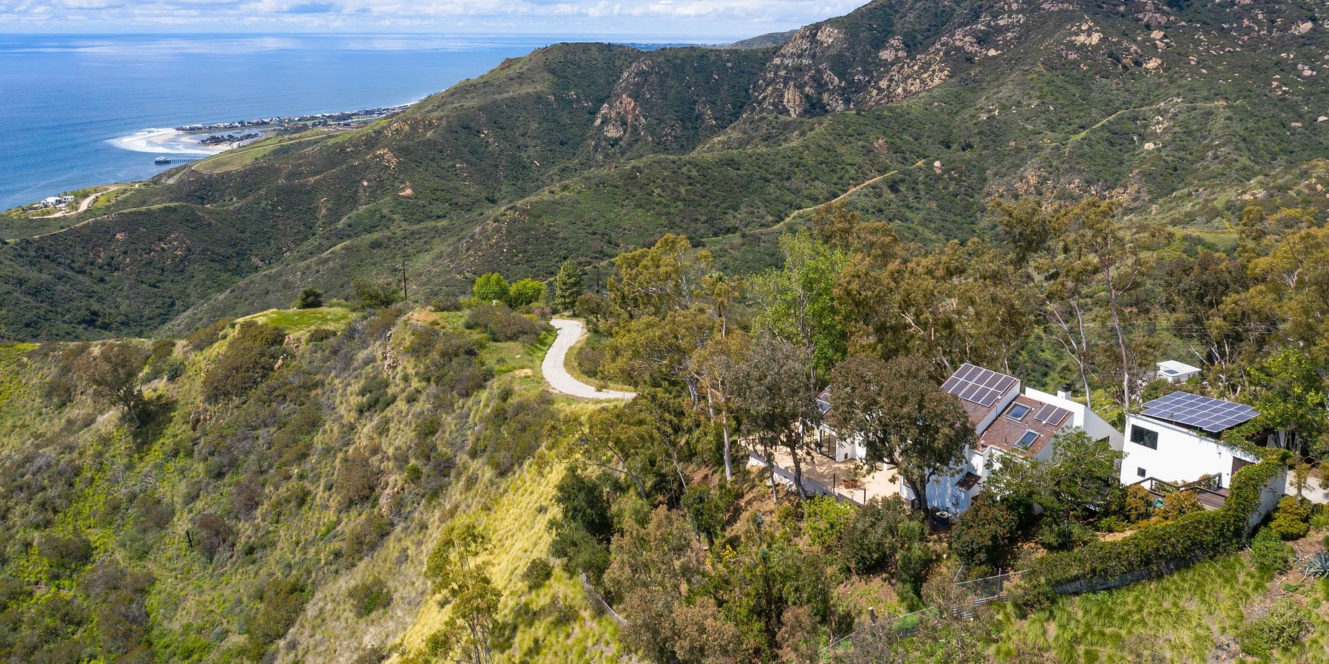 Coldwell Banker Realty Lists Scenic Malibu Property with Extraordinary 280-degree Ocean and Coastal Views for $2.995 Million