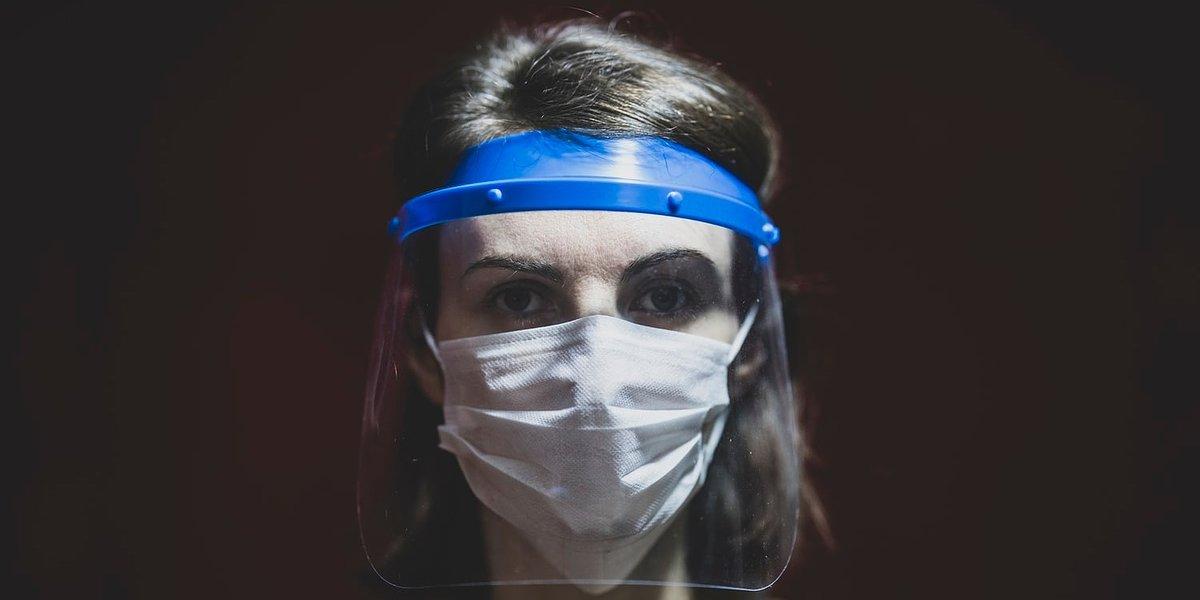 Dentsu Aegis Network Polska produkuje przyłbice ochronne dla najbardziej potrzebujących placówek