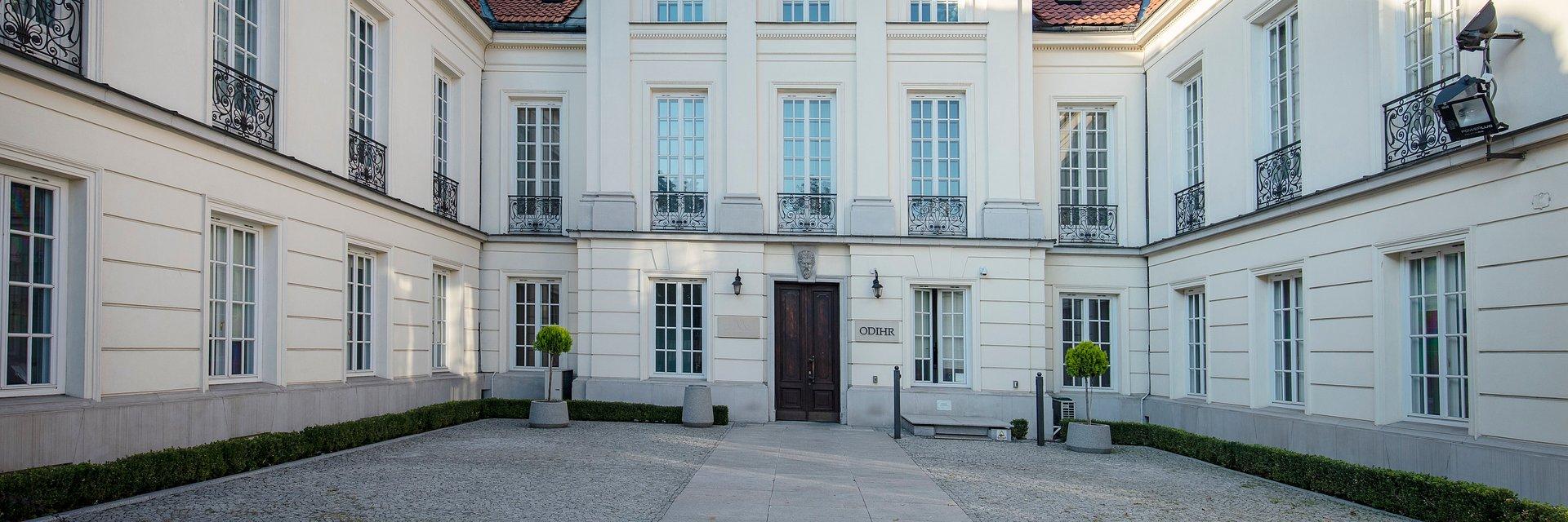 Pałac Młodziejowskiego (Miodowa 10) w Warszawie zmienia właściciela