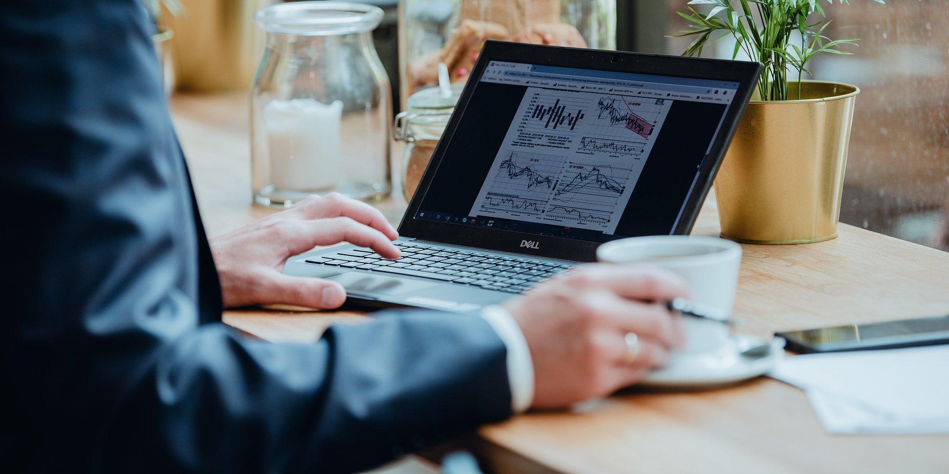 Tematy inwestycyjne – unikatowy proces budowania portfela w biurze maklerskim mBanku