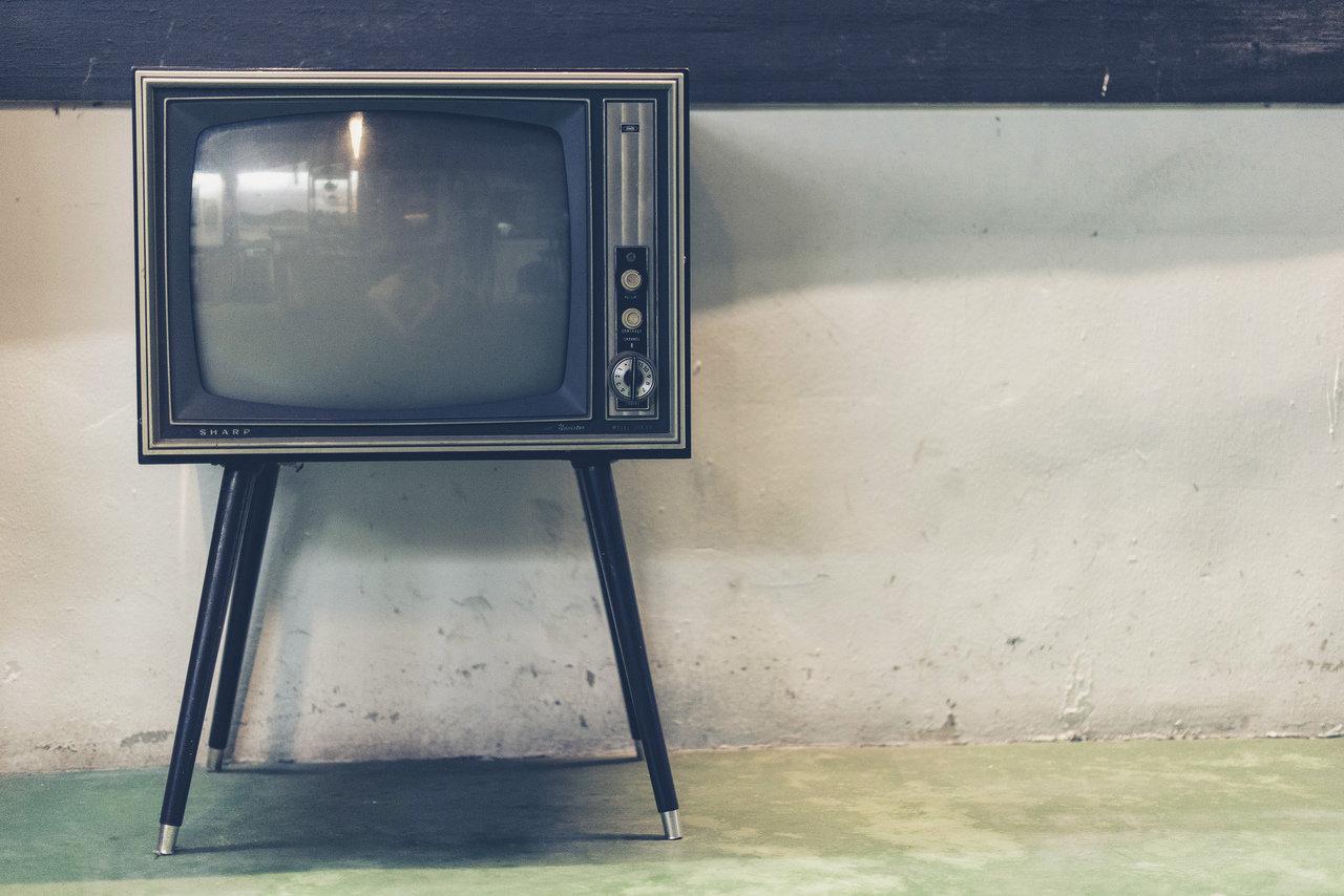 KRRiT chce zweryfikować koszty ograniczenia reklam farmaceutyków w TV