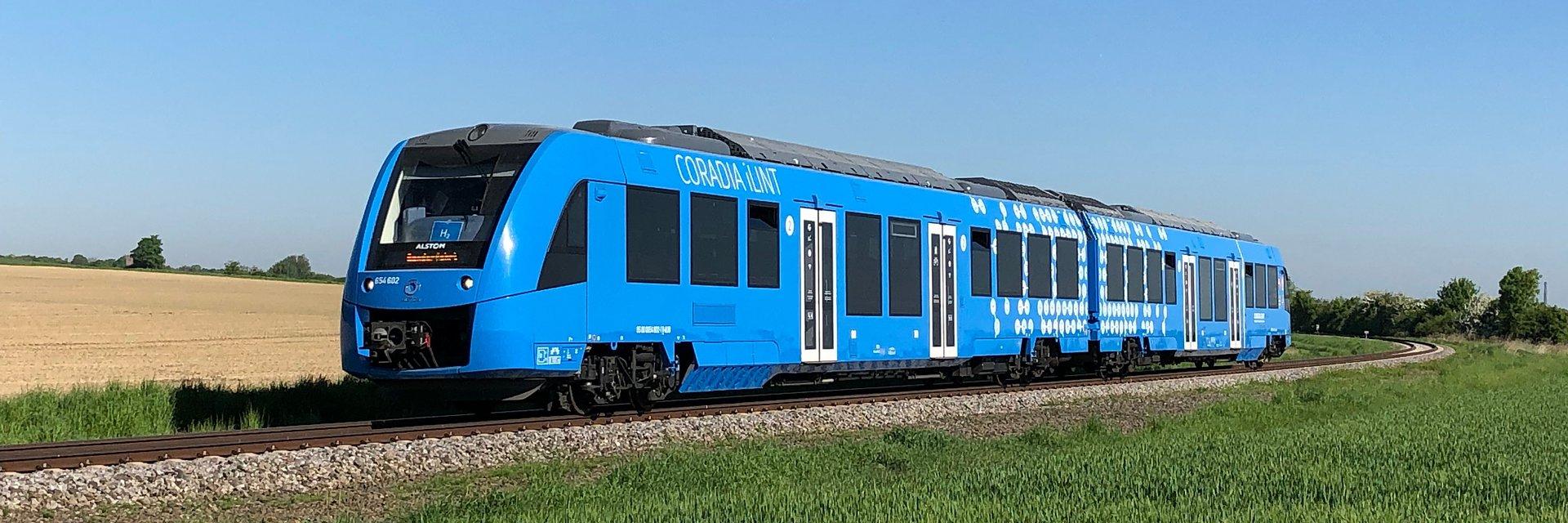 Półtora roku udanej eksploatacji nadzorowanej dwóch pierwszych pociągów wodorowych na świecie.