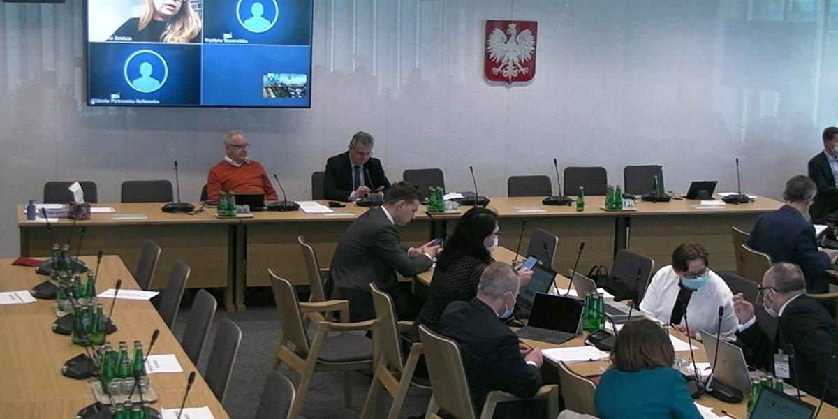 Projekt ustawy o zawodzie farmaceuty został skierowany do podkomisji