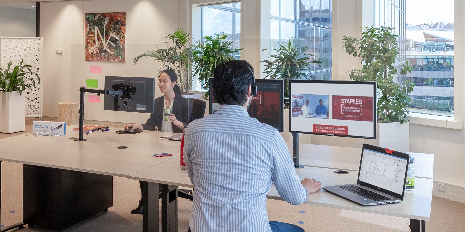 """Firma Staples wprowadza """"Plan C"""", który ma pomóc firmom w bezpiecznym powrocie do pracy i dostosowaniu się do nowej rzeczywistości"""
