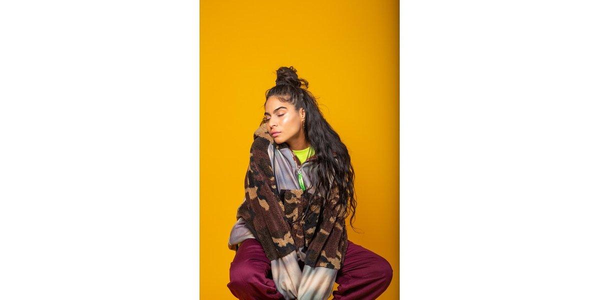 Jessie Reyez śpiewa Drake'a w ramach Spotify Singles