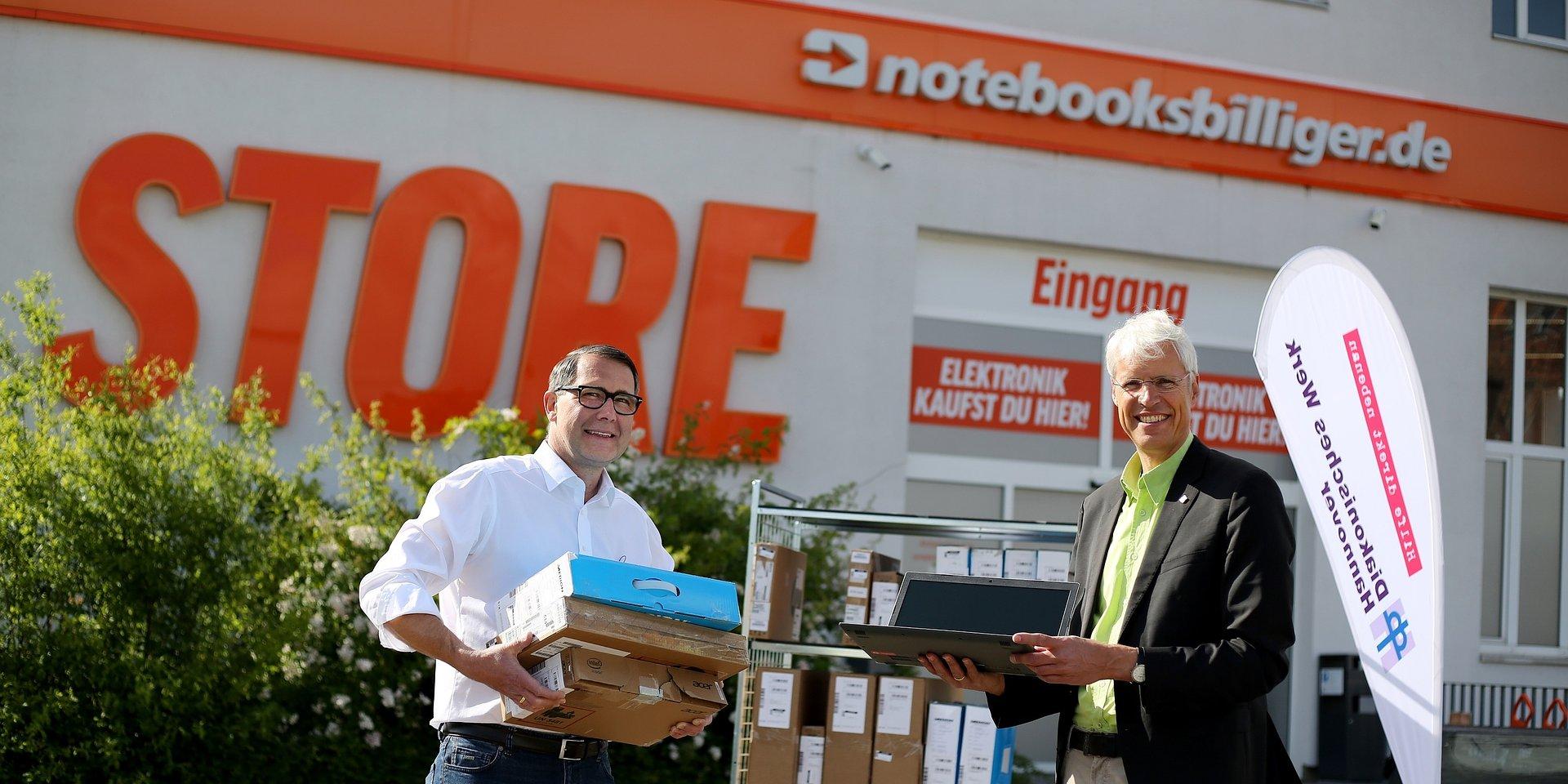Digitaler Unterricht: NBB spendet Notebooks für Schüler