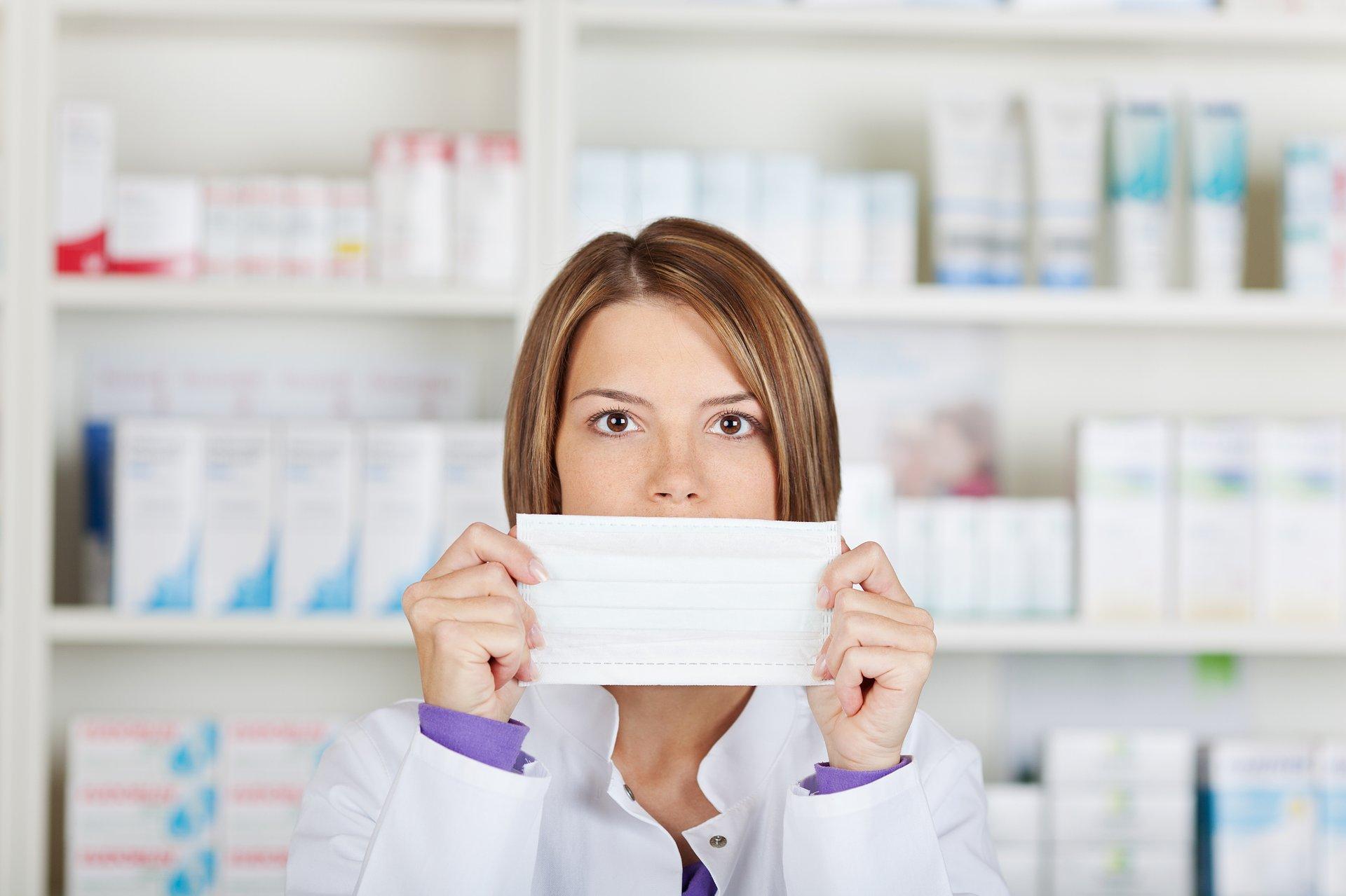 """Ubezpieczenie od """"Następstw Nieszczęśliwego Wirusa"""" tylko dla wybranych farmaceutów. Znamy warunki!"""