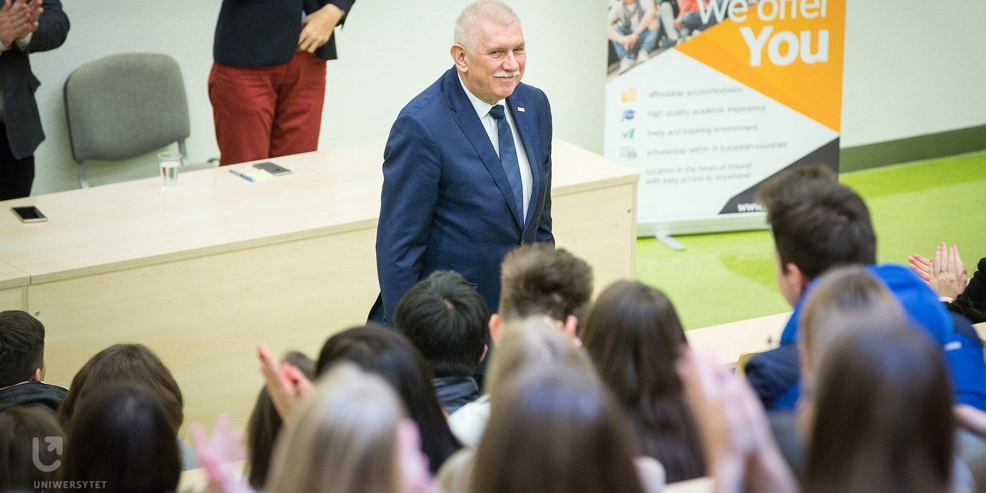Oświadczenie Rektora UŁ w sprawie osób LGBT+ [ENG VER. INCLUDED]